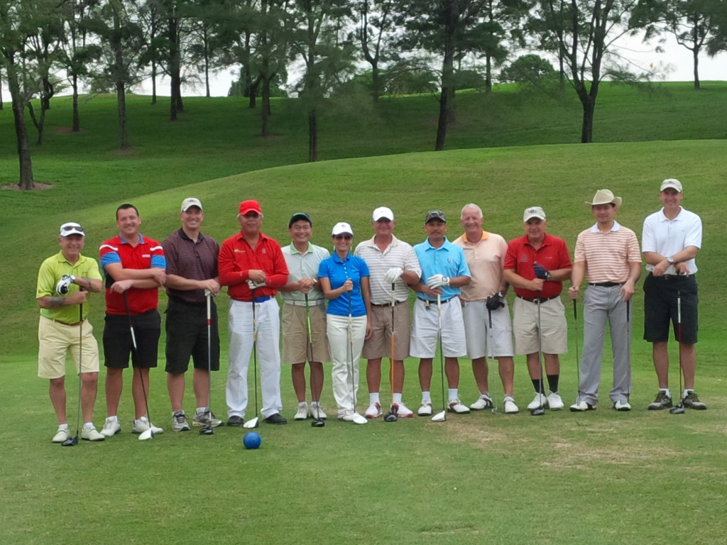 "Check-6 Malaysia's Horkiz ""Roze"" Rouzi and the golf participants"